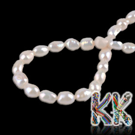 Natural pearls - ∅ 7-8 x 13-14 mm - ovals