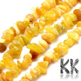 Natural yellow opal - fragments - 5-8 mm - weight 5 g (approx. 6 cm)
