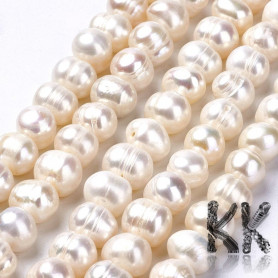 Natural pearls - ∅ 8-9 mm - ovals