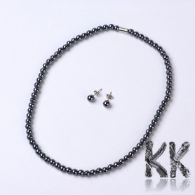 Jewelry set made of non-magnetic synthetic hematite - Necklace and earrings