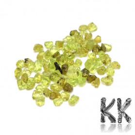 Natural peridot - fragments - not drilled (decorative crumb) - 3 - 9 x 1 - 4 mm - weight 1 g (approx. 16-25 pcs)